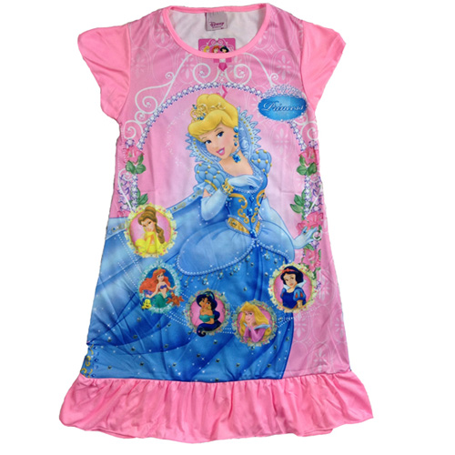Disney is treating the ladies! Patterson J. Kincaid, a Jaya Apparel Group brand, has announced that they will be collaborating with Disney in order to